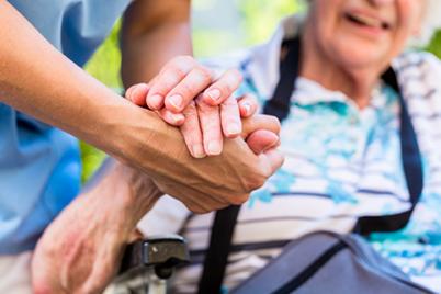 Pflege24mitHerz-Seniorenbetreuung